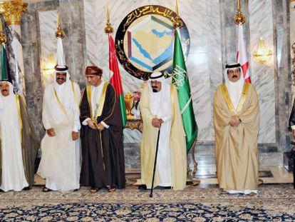 Los líderes políticos de los países del Golfo en una foto de grupo al término de la cumbre en Riad.