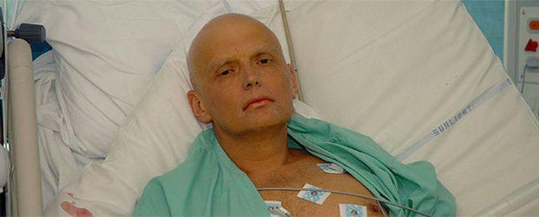 Alexander Litvinenko, durante su ingreso en un hospital de Londres.