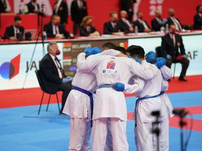El equipo español masculino de kumite en el europeo de la semana pasada. RFEK