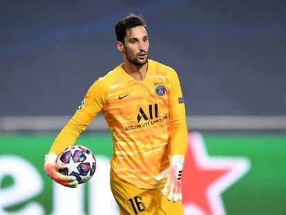 Sergio Rico, durante el partido de semifinales entre el PSG y el Leipzig (3-0) en el que el equipo parisino se clasificó para la final de la Champions. / REUTERS
