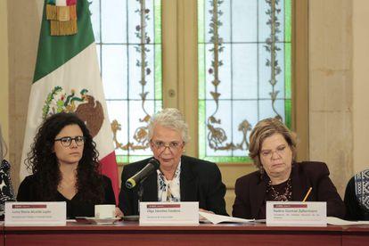 Luisa María Alcalde, Olga Sánchez Cordero y Nadine Gasman durante la conferencia de este jueves.
