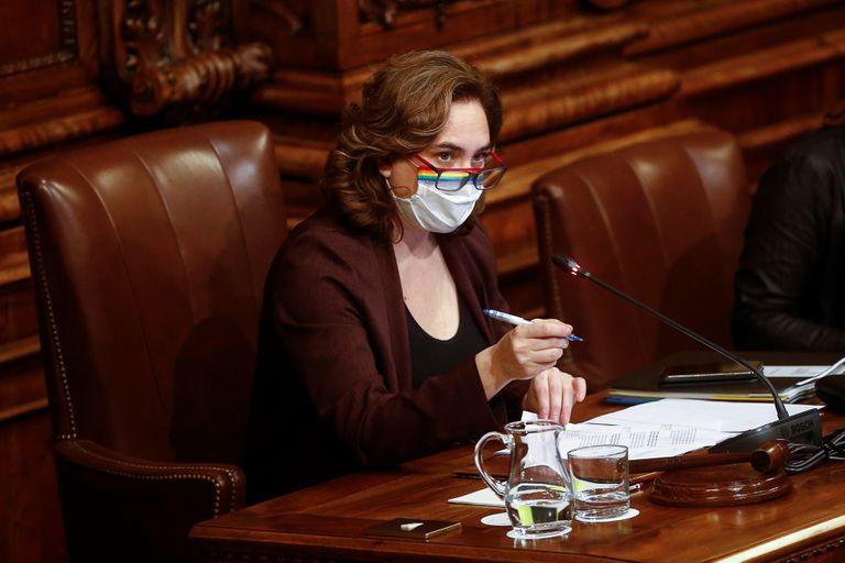 La alcaldesa de Barcelona, Ada Colau, durante el último pleno de 2020.