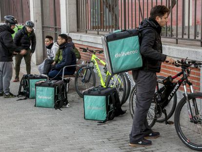 Repartidores de Deliveroo en Madrid.