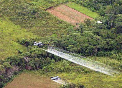 Fumigaciones con glifosato sobre cultivos de coca en Colombia.