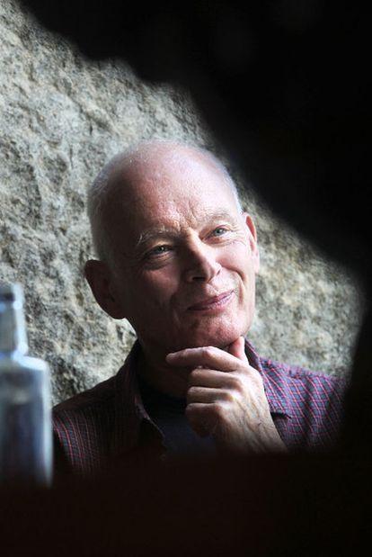 """Bergsson: """"El intelecto inventa la sabiduría tonta para hacer daño""""."""