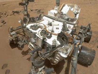 El robot 'curiosity' en un 'selfie', que se tomó en alta resolución.