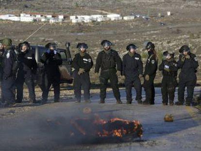 Miles de policías y soldados israelíes se despliegan para desalojar a 42 familias de tierras palestinas