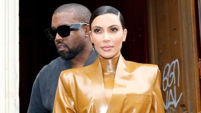 Kim Kardashian y Kanye Weste el 1 de marzo de 2020 en París, Francia.