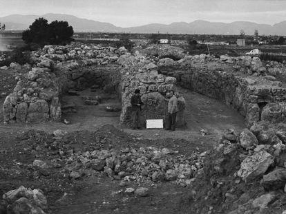 Habitaciones de un túmulo del yacimiento arqueológico arrasado en Palma, en una imagen de los años sesenta.