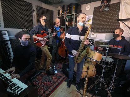 El quinteto The Machetazo, ensayando el concierto que ofrecerán en CentroCentro dentro del Festival Internacional de Jazz de Madrid.