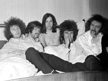 De izquierda a derecha: Wally Waller, Skip Alan, Phil May, John Povey y Dick Taylor. Pretty Things en 1967 en Dinamarca.