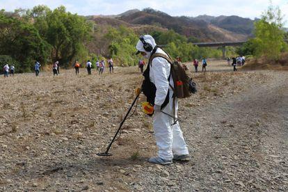 Un buscador de fosas en MIchoacán, hace unas semanas.
