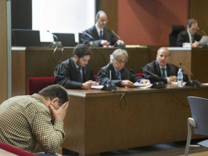 Joaquin Benitez, imputado en el caso de los abusos en el colegio de los Maristas de Barcelona, en la Audiencia de Barcelona.