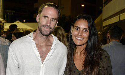 Joseph Fiennes y María Dolores Diéguez, en la Legends Cup celebrada en Palma de Mallorca el pasado octubre.