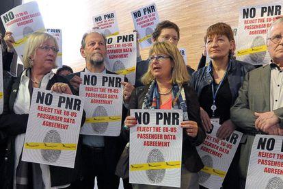 Protesta en Bruselas por el acuerdo de cesión de datos de pasajeros.