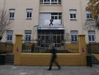 La fachada del Colegio Sagrado Corazón de Jesús, en Zamora, donde Laura Luelmo fue alumna. En vídeo, así era Laura Luelmo, la profesora de Zamora asesinada en Huelva.