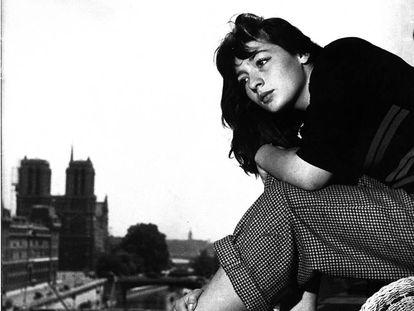 Juliette Greco, en un hotel a la riba del Sena (1946).