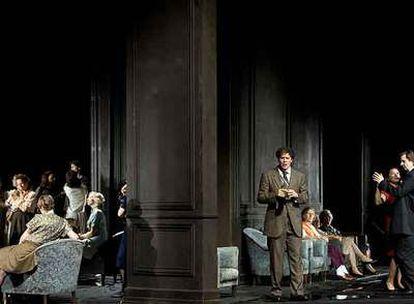 Escena del estreno de <i>Eugenio Oneguin</i> en el Festival de Salzsburgo.