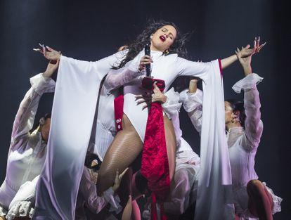 Rosalía, en un concierto en el WiZink Center de Madrid en diciembre de 2019.