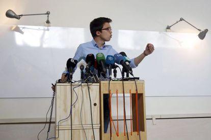 El secretario de Política de Podemos, Íñigo Errejón, durante la rueda de prensa ofrecida tras la primera reunión del Consejo de Coordinación de esta formación.