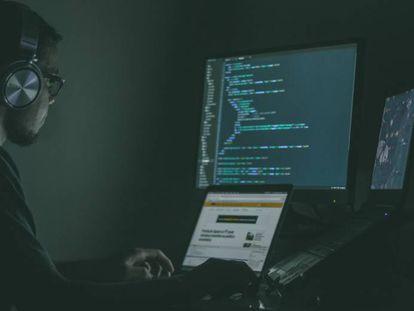Un programador informático trabajando en Brasil.