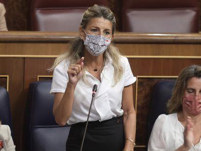 Yolanda Díaz interviene en una sesión de control al Gobierno en el Congreso de los Diputados