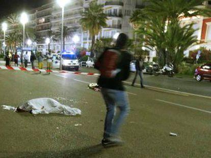 Las multitudinarias celebraciones de la fiesta del 14 de julio en la ciudad turística acaban en nuevo episodio de tragedia terrorista