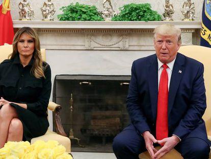Donald Trump y su esposa, Melania. En vídeo, las autoridades de Estados Unidos declaran la guerra al vapeo.