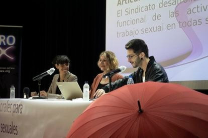 Integrantes del sindicato Organización de Trabajadoras Sexuales (Otras), durante la comparecencia de este lunes para valorar la sentencia del Supremo.