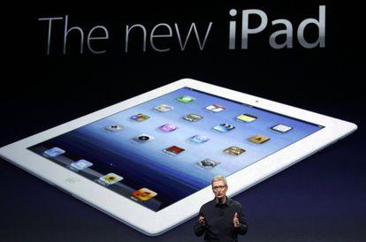 El consejero delegado de Apple, Tim Cook, durante la presentación del nuevo iPad.