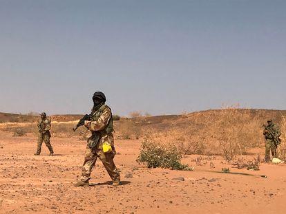 Soldados nigerinos durante un ejercicio militar en Ouallam, cerca de Tillaberi, el 18 de abril de 2018.
