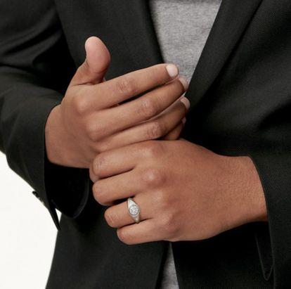 Nuevo modelo de anillos de compromiso para hombres de Tiffany & Co.