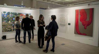 Stand de la galería Gema LLamazares con obra de Jesús Zurita, Yutaka Mori y Sandra Paula Fernández.