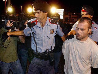 Pedro Jiménez García, el pasado viernes, a su llegada a la comisaría de L'Hospitalet.