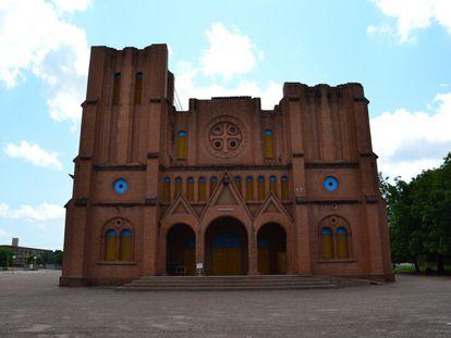 La tímida primavera de la Iglesia en África