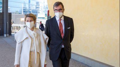 La vicepresidenta tercera del Gobierno de España y ministra de Trabajo, Yolanda Díaz, a su llegada este jueves a la Comisión Europea.