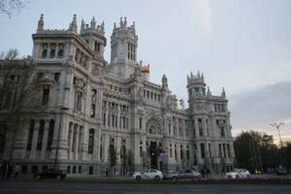 Vista de la fachada del edificio de Correos, actual sede del Ayuntamiento de Madrid. EFE/Archivo