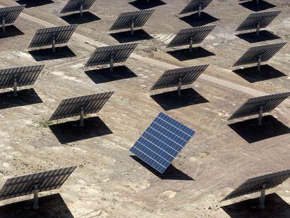 Una planta de energía solar en Amareleja (Portugal), en una imagen de archivo.