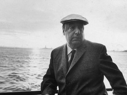 El poeta Pablo Neruda, retratado en Nueva York en junio de 1966.