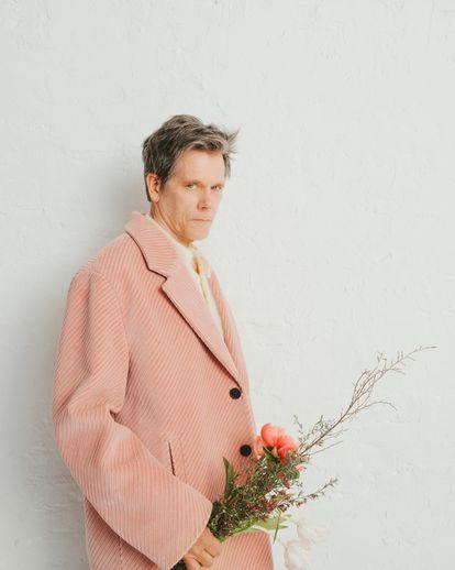 En esta imagen, el actor viste de Prada.