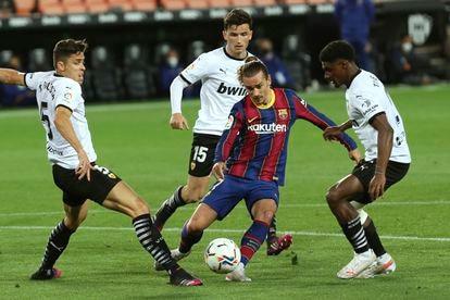 Griezmann, durante la pasada temporada ante el Valencia.