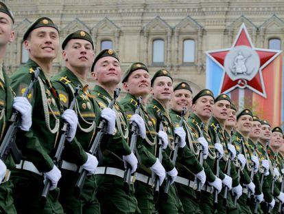 A Rússia comemora o 72º. aniversário da derrota da Alemanha nazista com cerimônias públicas, discursos, conferências, recepções e fogos de artifício.