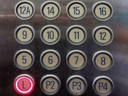 La planta 13 se renombra en ocasiones como 12 A para esquivar la mala suerte.  
