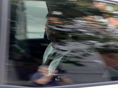 Ignacio González entra en la Audiencia Nacional en un vehiculo de la Guardia Civil.