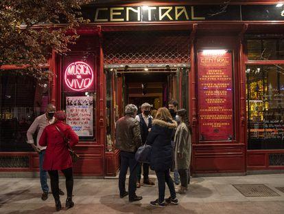 El Café Central este viernes en su primera jornada de música en vivo tras más de un año de cierre.