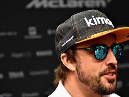 Fernando Alonso, en el paddock del circuito de Mónaco.
