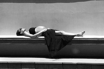 La diseñadora Victoria Beckham, en una imagen tomada por su propio esposo, el futbolista David Beckham, el pasado jueves, cuatro días antes de dar a luz a su cuarto hijo, la primera niña tras Romeo, Brooklyn y Cruz.