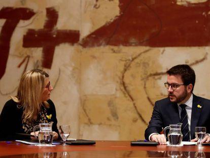 El vicepresidente del Govern, Pere Aragonés, acompañado por quien será su previsible vicepresidenta, Elsa Artadi, en una imagen de archivo.