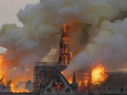 El fuego azotó Notre Dame el 15 de abril.