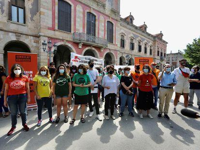 Entidades y partidos piden ante el Parlament al Gobierno que no recurra la Ley catalana del alquiler ante el Tribunal Constitucional.